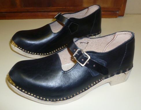 Nw Clogs